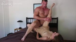 Handsome Bodybuilder Stud Plows Pussy On Wild Screamer Chick. Total FREAK!