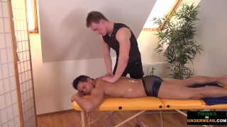 Twunk masseur gets cock out for happy ending
