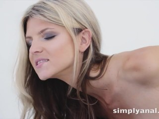 Hot Anal Fucking For Petite Blonde