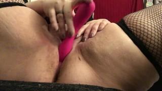 Curvy Milf Pink Pussy Play