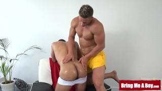 Amateur jock enjoys an oiled massage and a skillful handjob