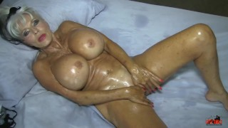 Home movie what real MILFs do for their MEN #oilfetish #masturbation
