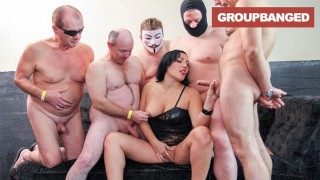 GangBang Queen Turns her Pussy into a Water Fountain