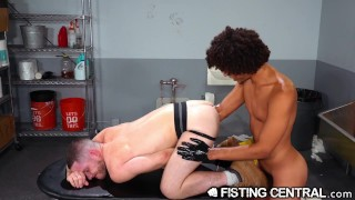 FistingCentral - Derek Cline Dives Elbow Deep