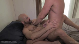 Muscle daddy's hole plundered and plowed