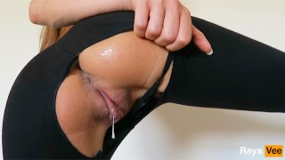 Horny Dripping Pussy Girl Masturbates In Ripped Yoga Pants