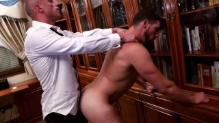 SECURITY LOCKDOWN. ENZO RIMENEZ GETS FUCKED BY HIS SECURITY DIEGO SUMMERS!