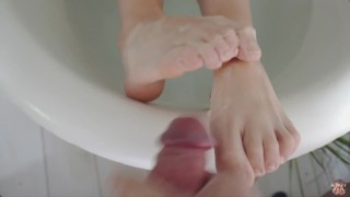 Teenage feet cumshot compilation - Alexy Bell Footjob Compilation N°2