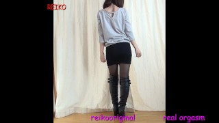Wearing naughty pantyhose and long boots and showing off M-shaped dildo masturbation real orgasm