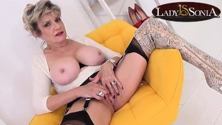 Lady Sonia teases while giving you JOI