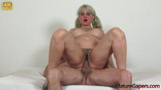 Pussy gaping and hard banging of horny mature Sarah Star
