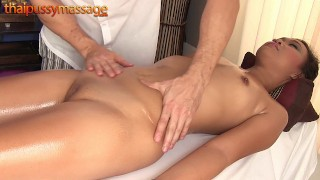 Amateur Thai girl gets a massage and a hard dick
