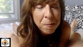 Hot Granny Closeup Juicy Blowjob Shows Cum Mouth