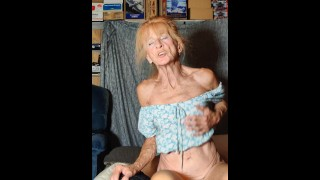 Mature Women Taking a Ride Getting Fucked