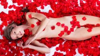 Petite Blonde Gina Gersons Sensual Fantasy Fuck - S1:E6