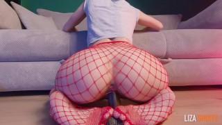 Cute skinny girl gets two sweet shaking orgasms - lizashultz