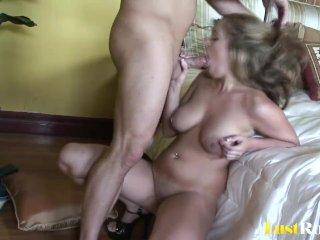 Bouncy ass on the beautiful blonde Katie Cummings