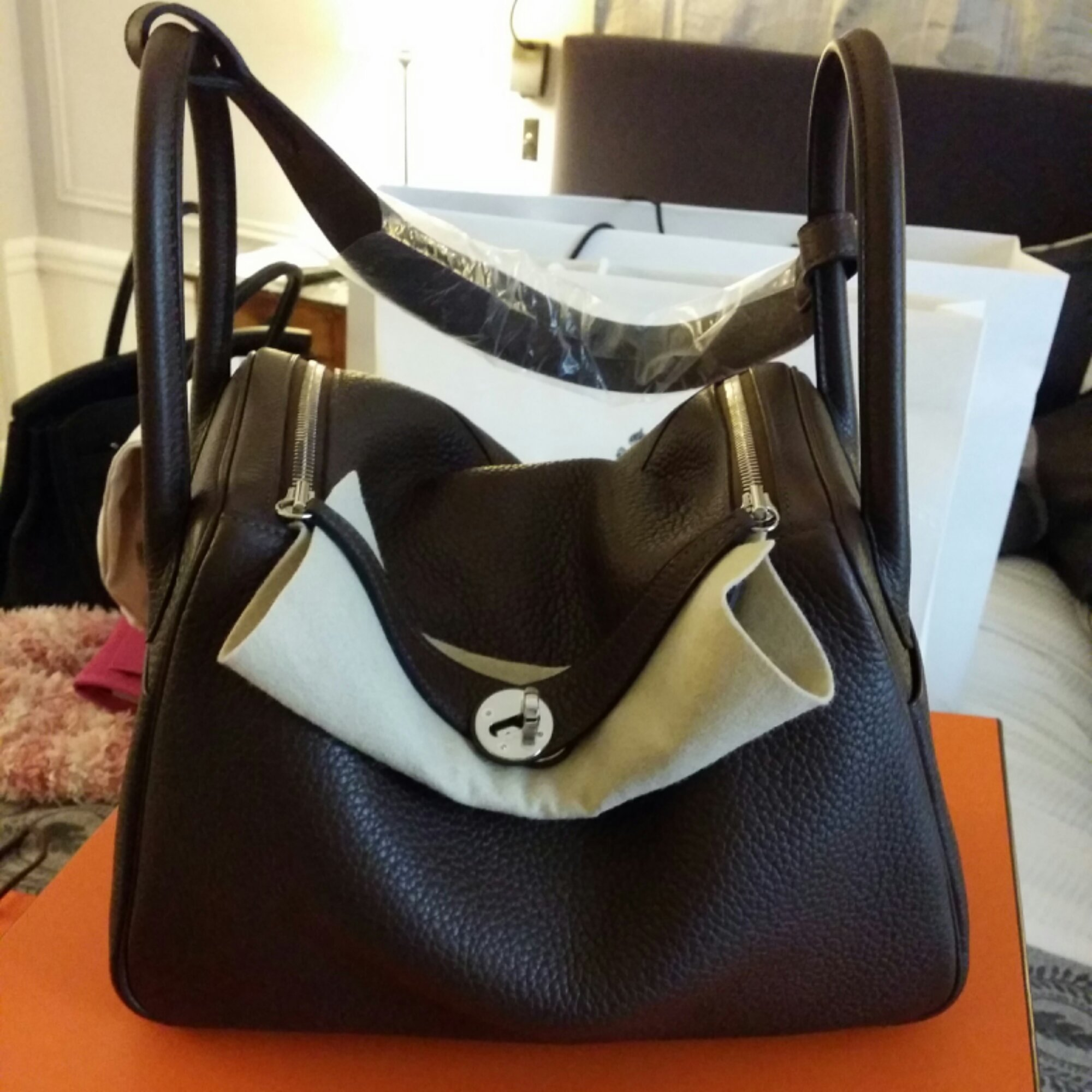 ((SOLD))Brand new in box Hermes Lindy 30 in Cacao! | Ciaciasg's Blog