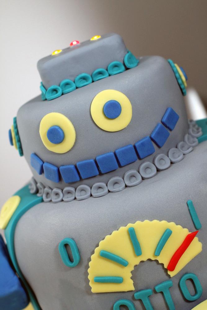 Robot Cake  Ciao Annie