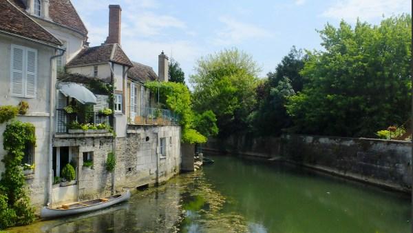 Canal de Bourgogne, France