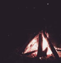 Aquele pontinho de luz é a Lua. confira mais no instagram: @cibelefranck
