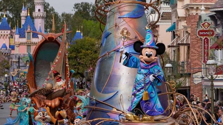 Disneyland e Disney World estendem indefinidamente os fechamentos