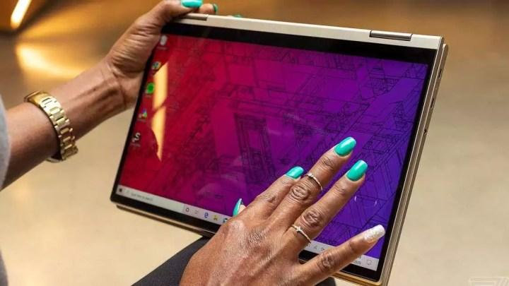 Lenovo Yoga C740 avaliação: par para o curso
