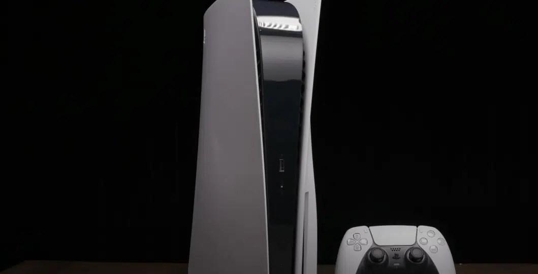 O design original do PS5 era ainda maior