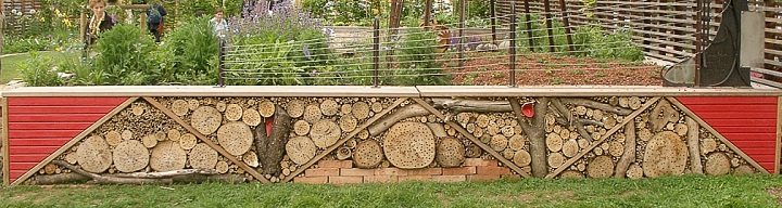 60 insect hotel