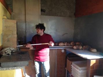 Agriturismo Prestello - Pane Massimo Lo tira Fuori dal Forno
