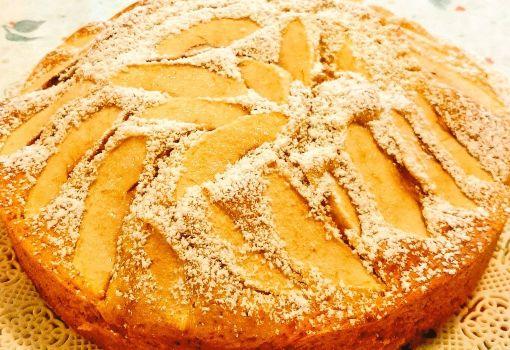 Torta di mele buonissima con olio: ricetta leggera, facile e veloce