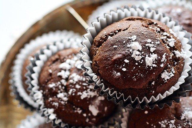 Muffin al cacao senza burro: ricetta leggera e veloce