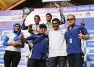 Juara Umum Kelas Seeded Firman Farera dan Juara Umum Kelas Pemula Aditya Anugrah Seri 2 Yamaha Cup Race di Aceh
