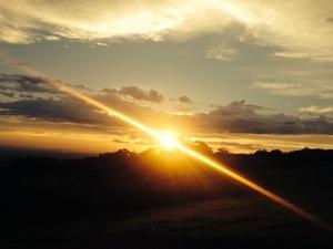 Entardecer: um por de sol estonteante