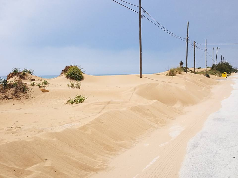 Best of the West - cycle past sand dunes in Sicily