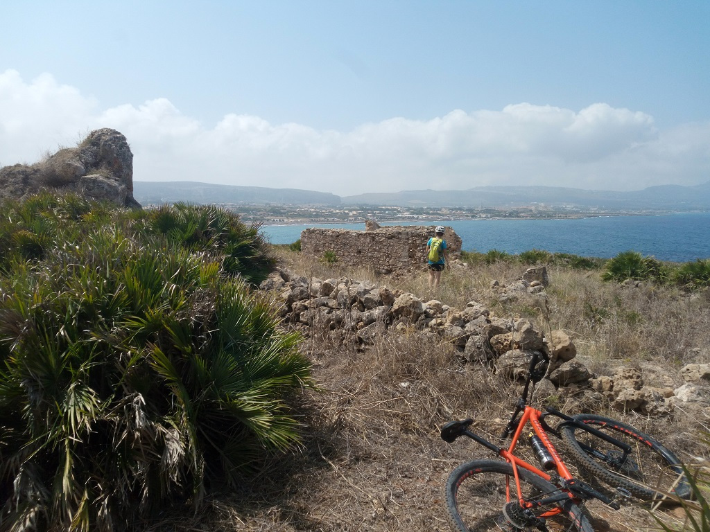 mountain bike panorama a monte Cofano Sicilia