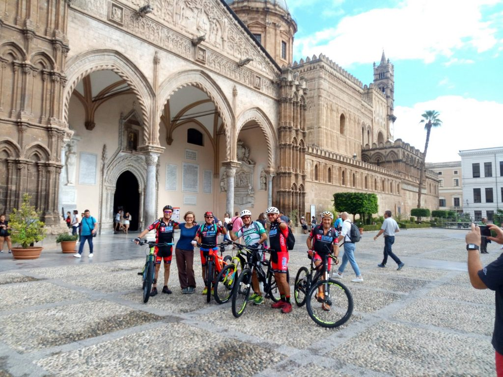 mountain bike tour group in Sicily