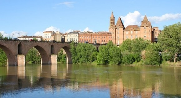 un brazo del canal de Midi lleva a Montauban