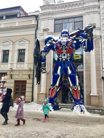 Transformers na rúa peonil de Kazán (Tartaristán)