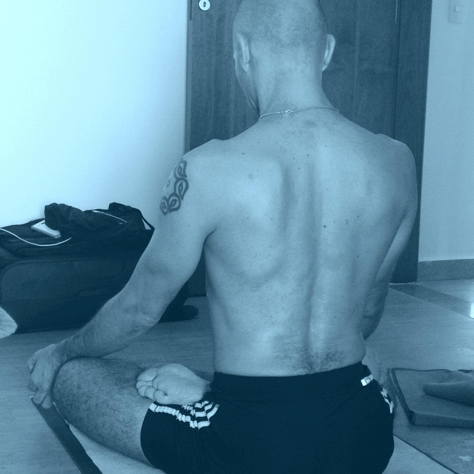 Vitor Meditacao Site - Mentoria em Yoga