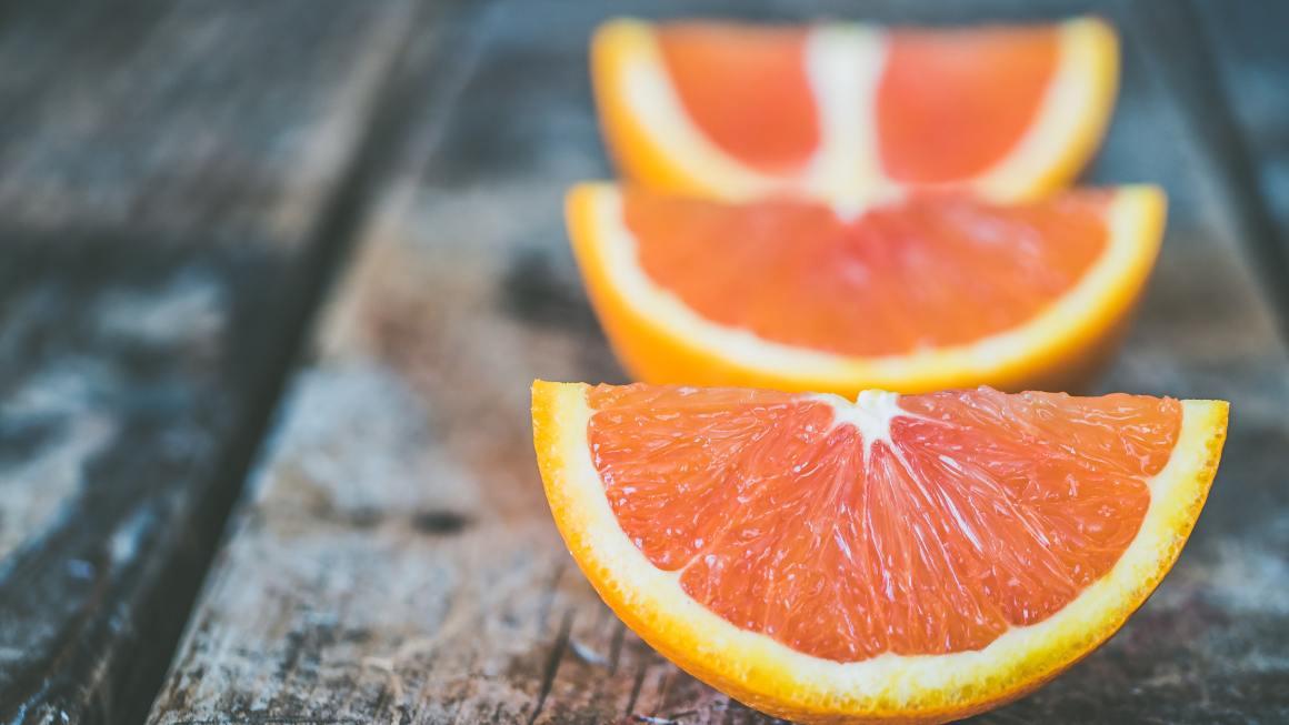 ¿Es necesaria la Vitamina C para la formación del Colágeno? | Guía de exfoliantes