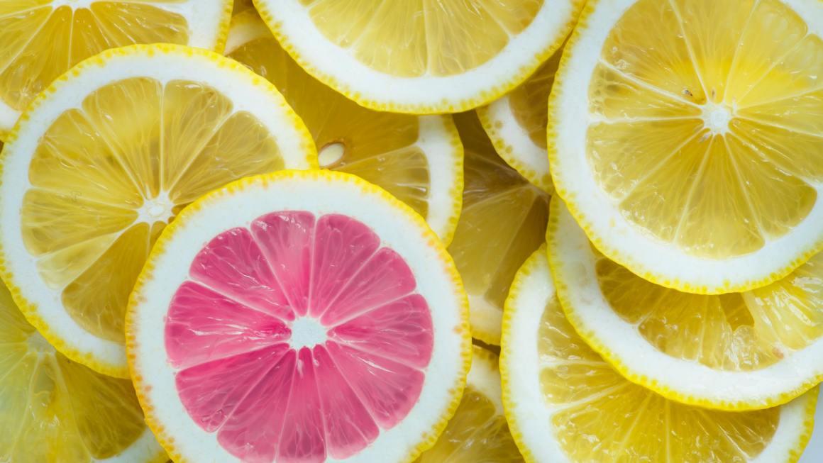¿Puedo usar ácido glicólico, retinoides y niacinamida con VITAMINA C?
