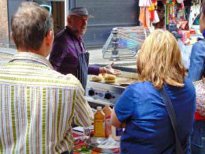 Wspaniałe jedzenie uliczne można kupić na każdym kroku :)