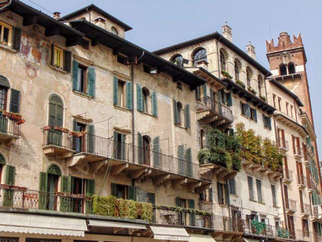 Nie wiem i nie chcę wiedzieć, ile kosztuje mieszkanie przy Piazza delle Erbe, ale jestem przekonany, że jest warte każdego centa