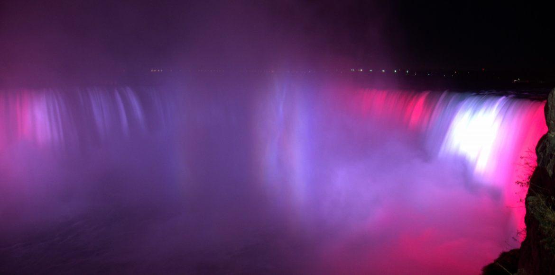 Wodospad Niagara w światłach!