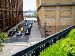 Widok z góry - daleko w tle rzeka Hudson