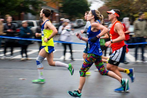 Biegaczka, NYC maraton   f6.3, 1/80sek, 80mm, ISO 800