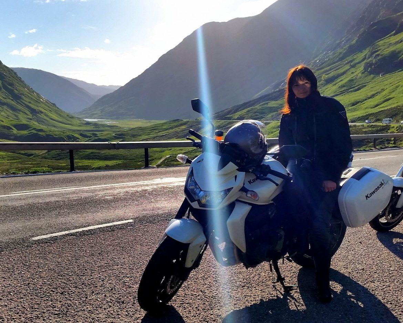 Dominika i jej motocykl, mynotsordinarydays.com
