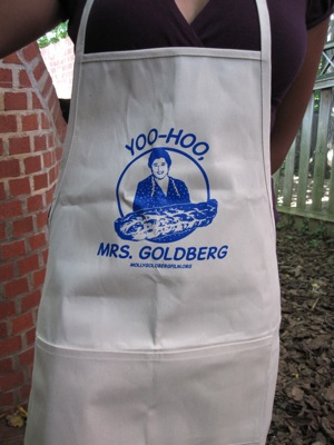 yoohoo apron