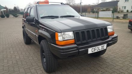 Jeep Grand Cherokee Schwarz-Glanz CiFol-Werbetechnik (1)